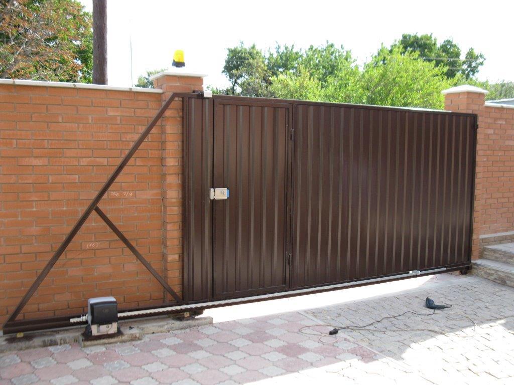 Ворота откатные в заборе своими руками 21